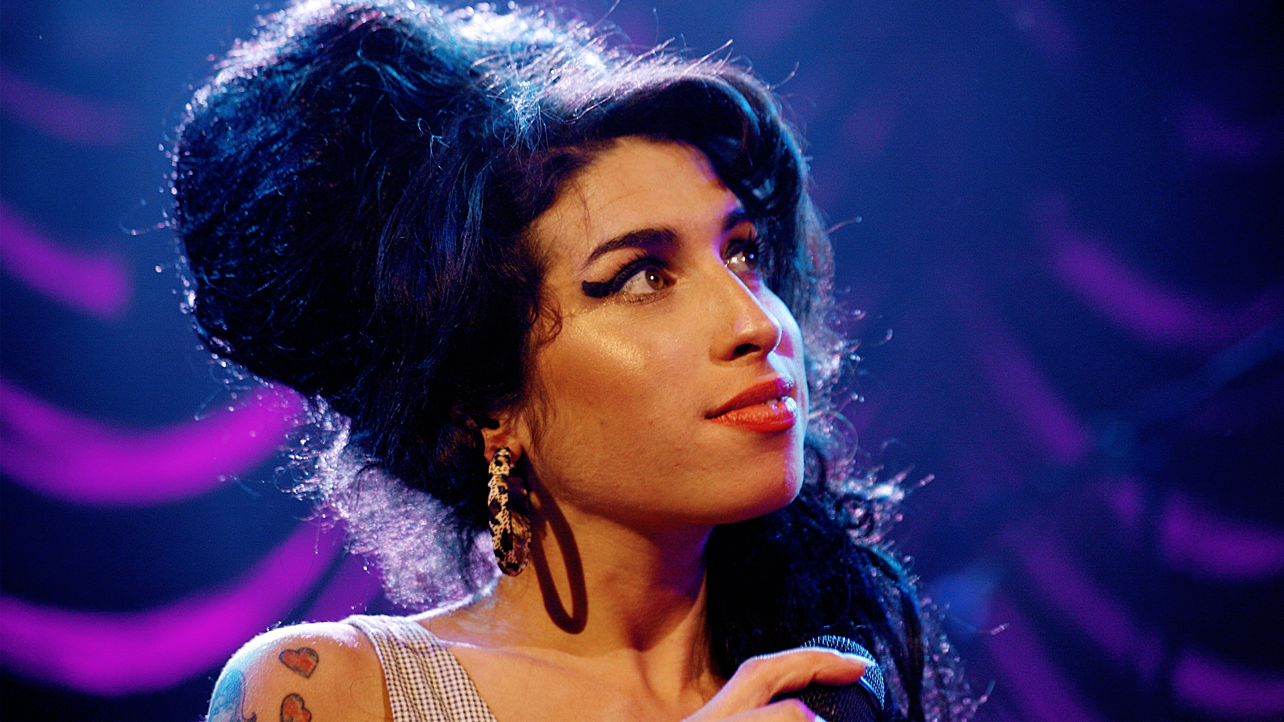 Amy Winehouse Hd Wallpaper Background Image 2560x1440 Wallpaper Abyss