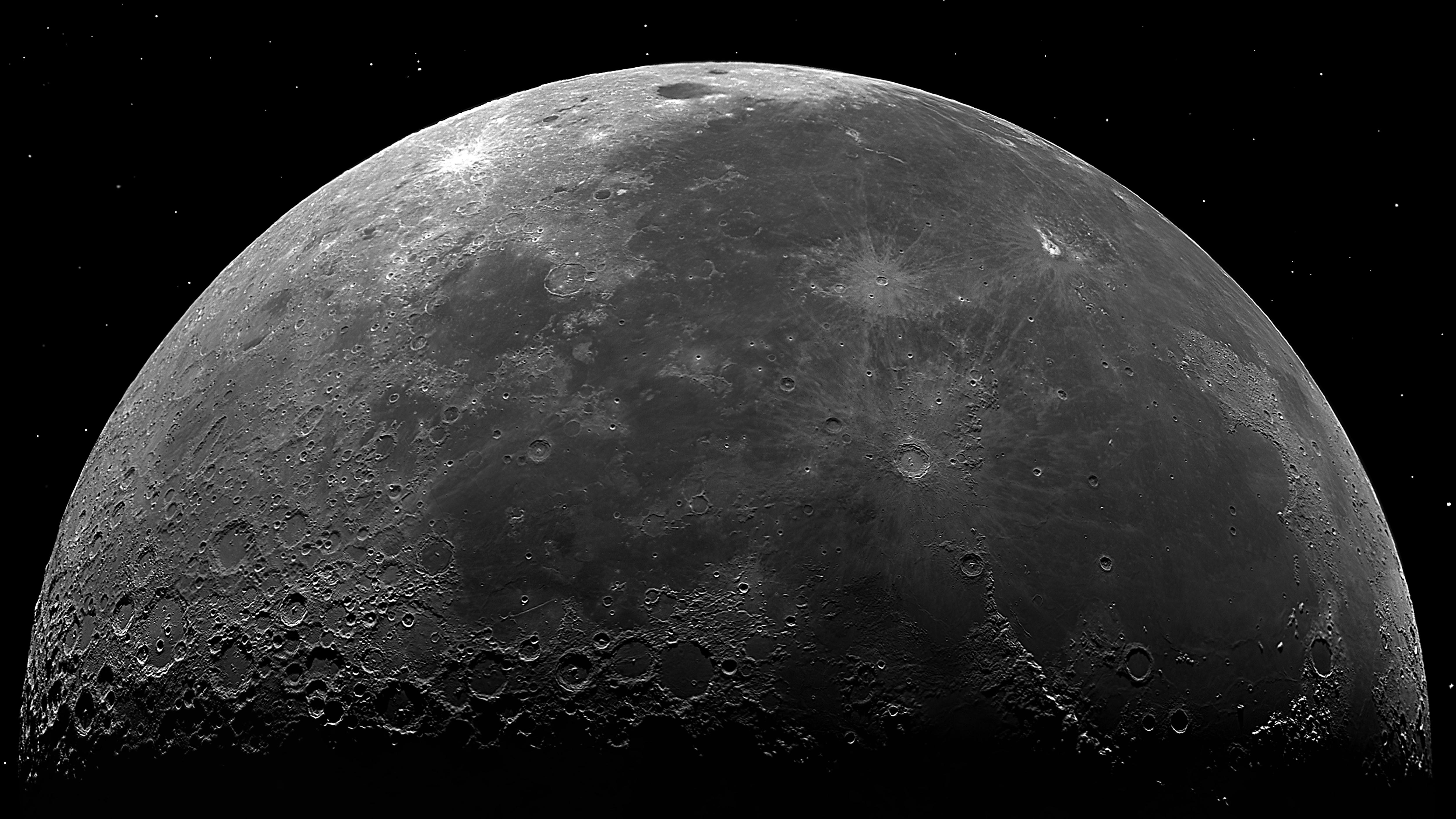 Mond 4k