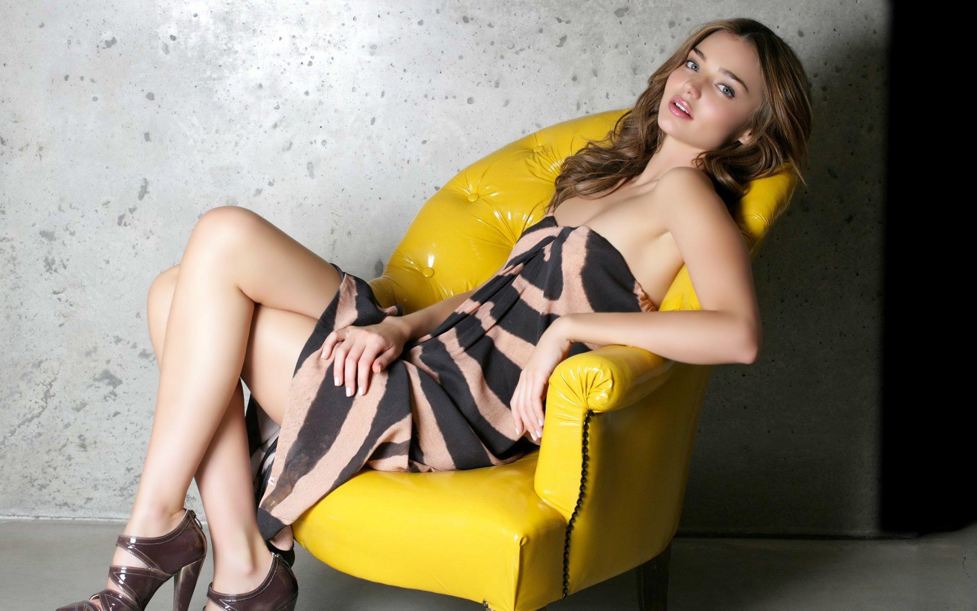 Celebrity - Miranda Kerr  Beautiful People Model Wallpaper