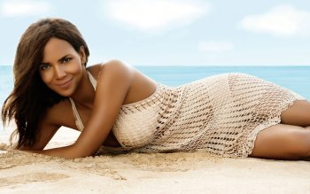 Berühmte Personen - Halle Berry Wallpapers and Backgrounds ID : 102955