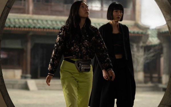Movie Shang-Chi and the Legend of the Ten Rings Meng'er Zhang Xialing Awkwafina HD Wallpaper | Background Image