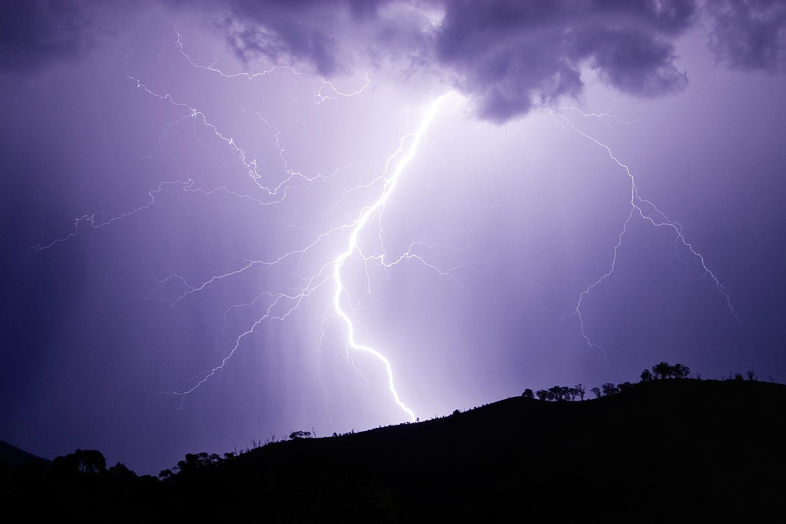 Photography - Lightning  Wallpaper
