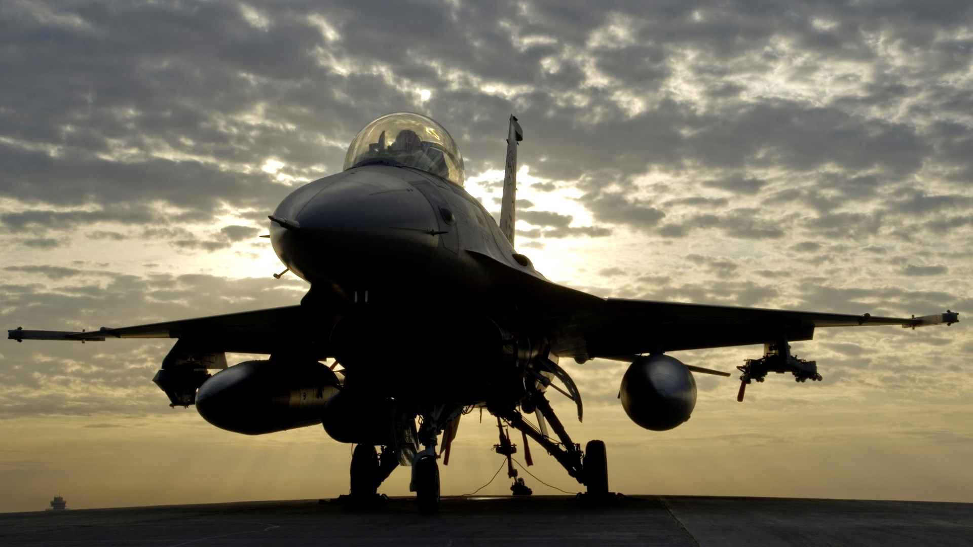 General Dynamics F-16 Fighting Falcon HD Wallpaper
