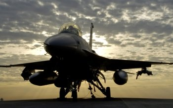 Militar - General Dynamics F-16 Fighting Falcon Wallpapers and Backgrounds ID : 146655
