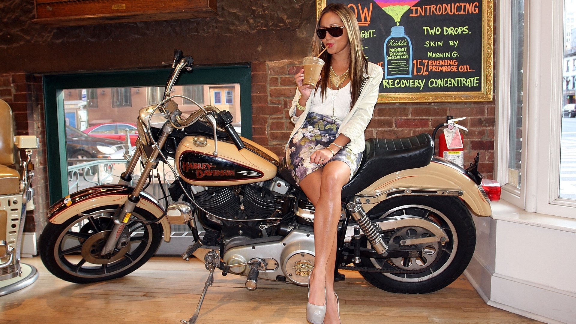 82 harley davidson hd wallpapers backgrounds wallpaper abyss harley davidson marisa miller hd wallpaper background id160957 sciox Image collections
