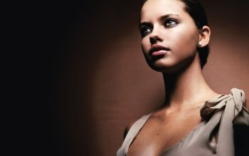 Berühmte Personen - Adriana Lima Wallpapers and Backgrounds ID : 162317