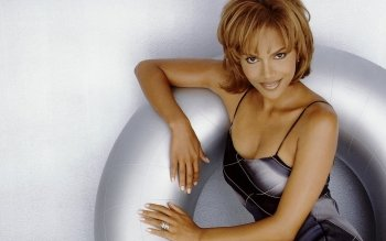 Berühmte Personen - Halle Berry Wallpapers and Backgrounds ID : 162415