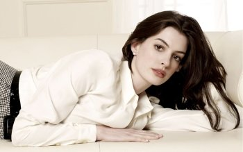 Celebrity - Anne Hathaway Wallpapers and Backgrounds ID : 162937