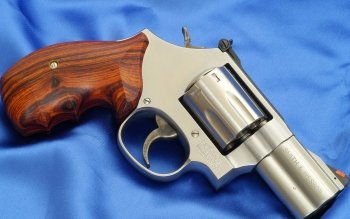 Weapons - Smith & Wesson Revolver Wallpapers and Backgrounds ID : 164237