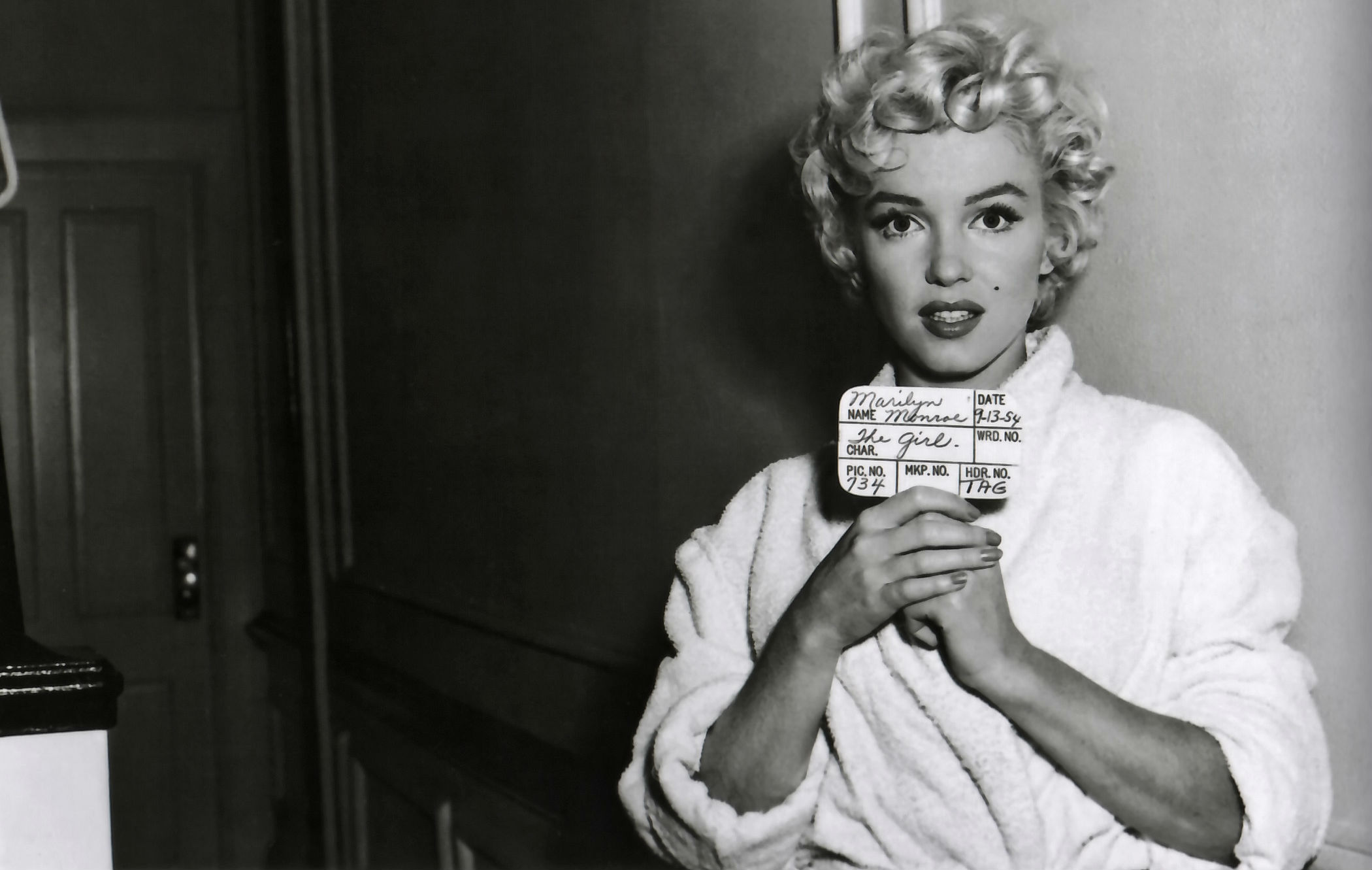 Marilyn monroe full hd wallpaper and background image 2100x1331 celebrity marilyn monroe wallpaper voltagebd Image collections