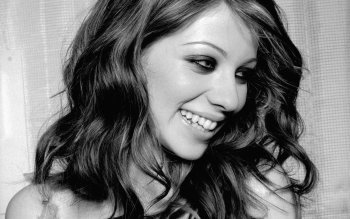 Berühmte Personen - Michelle Trachtenberg Wallpapers and Backgrounds ID : 168199