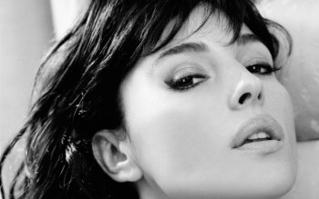 Celebrity - Monica Bellucci Wallpapers and Backgrounds ID : 168689