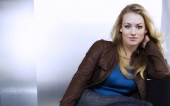 Celebrity - Yvonne Strahovski Wallpapers and Backgrounds ID : 169469