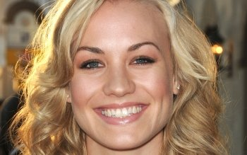 Celebrity - Yvonne Strahovski Wallpapers and Backgrounds