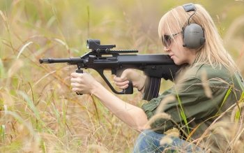 Women - Women & Guns Wallpapers and Backgrounds ID : 175905