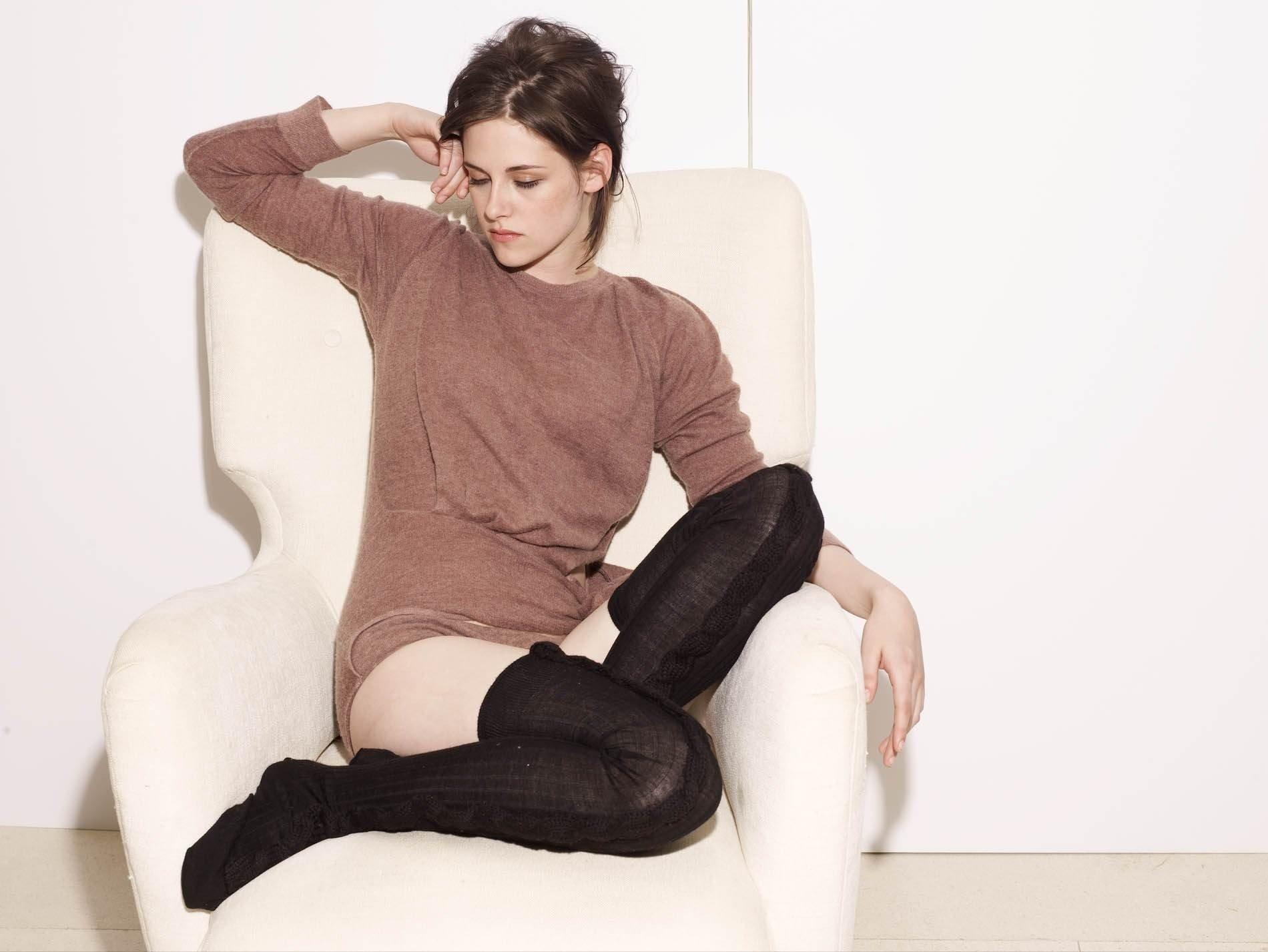Celebrity - Kristen Stewart  Wallpaper
