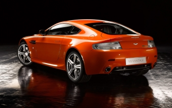 Vehicles - Aston Martin V8 Vantage Wallpapers and Backgrounds ID : 186347