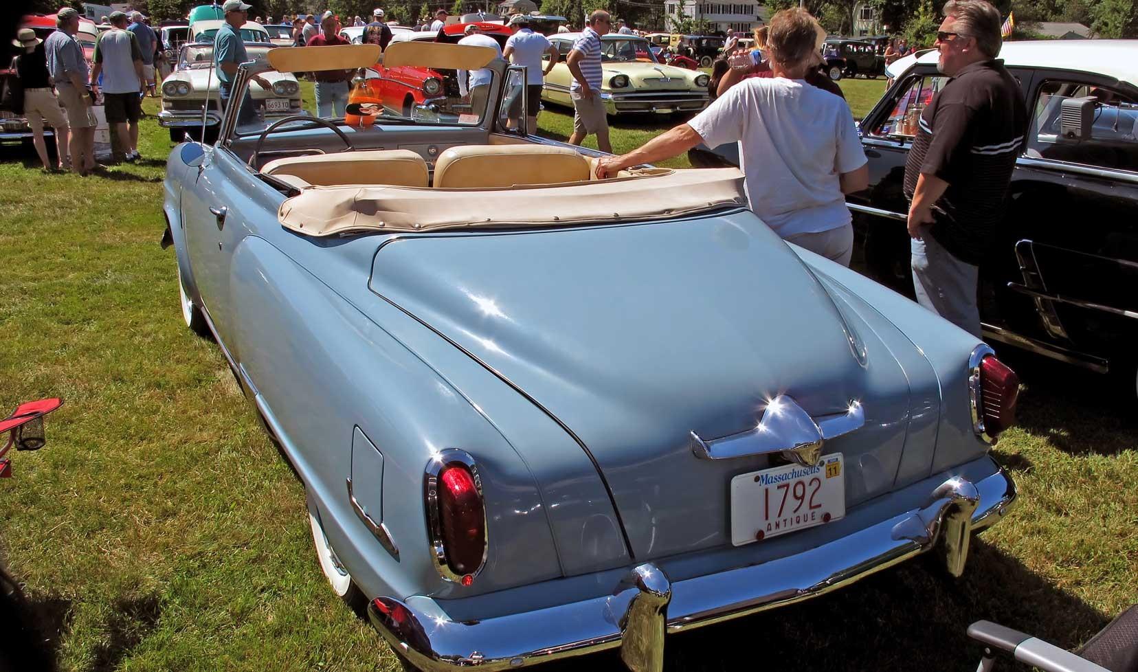 Vehicles - 1951 Studebaker Commander  Wallpaper