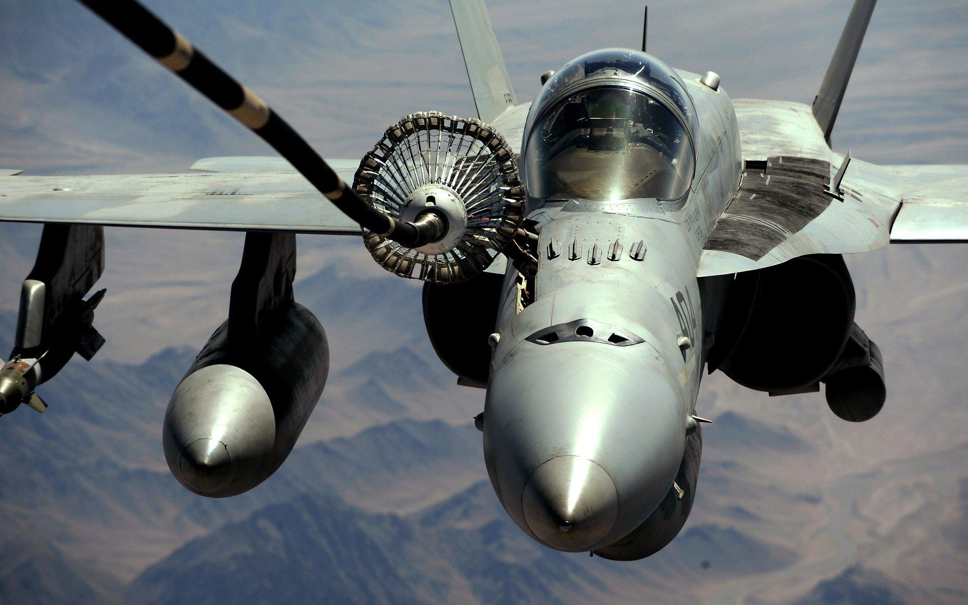 Military - McDonnell Douglas F/A-18 Hornet  Aircraft Airplane Wallpaper