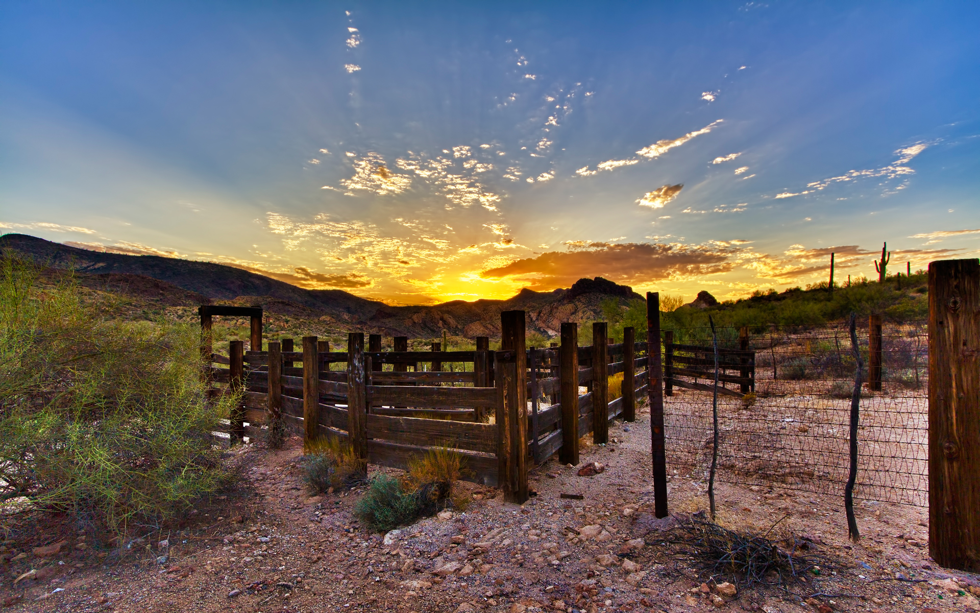 Man Made - Fence  Landscape Wallpaper