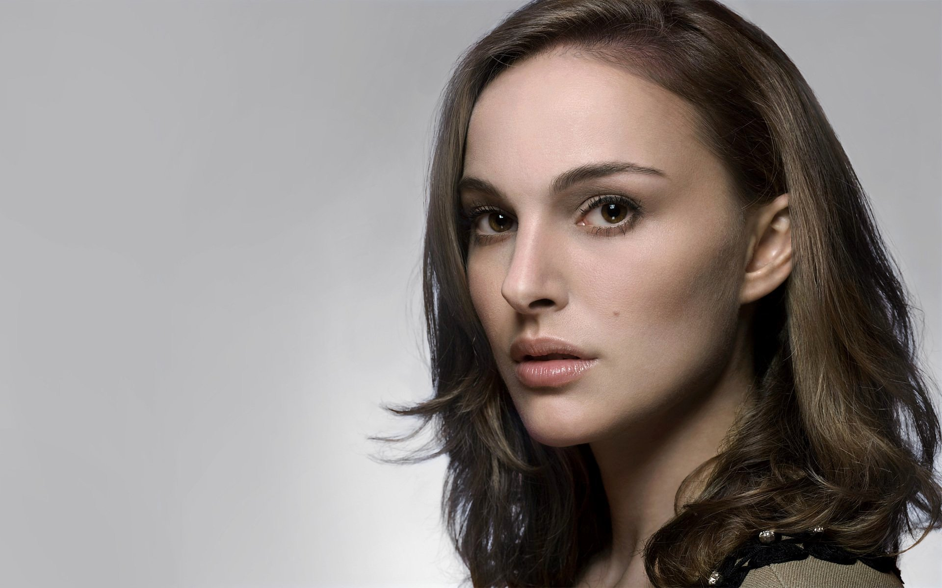 Celebrity - Natalie Portman  Wallpaper