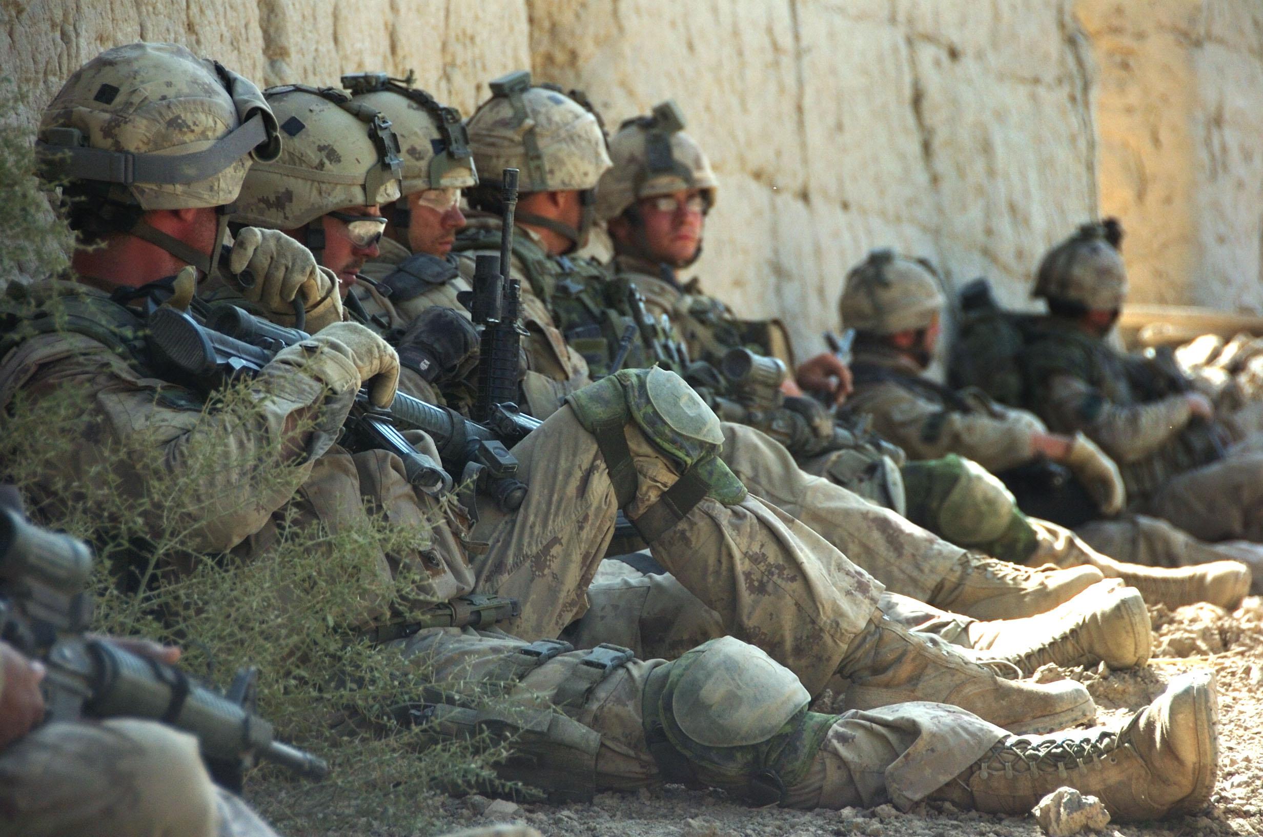 Военное - Солдаты  Военное Обои