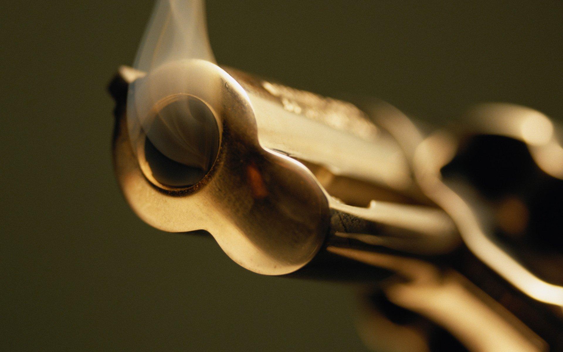 Revolver Hd Duvar Kağıdı Arka Plan 1920x1200 Id209637