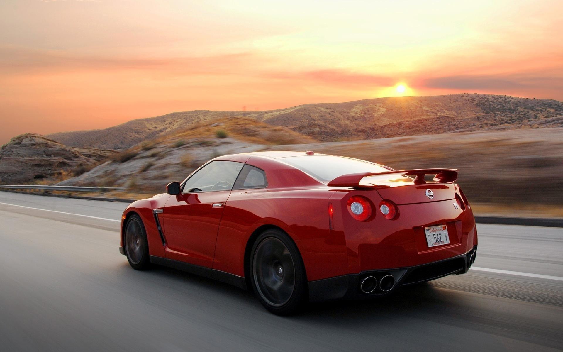 Vehicles - Nissan  Wallpaper