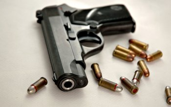 Weapons - Pistol Wallpapers and Backgrounds ID : 211347