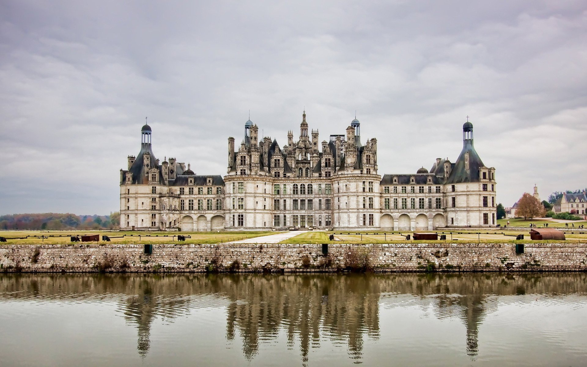 Man Made - Château de Chambord  Wallpaper