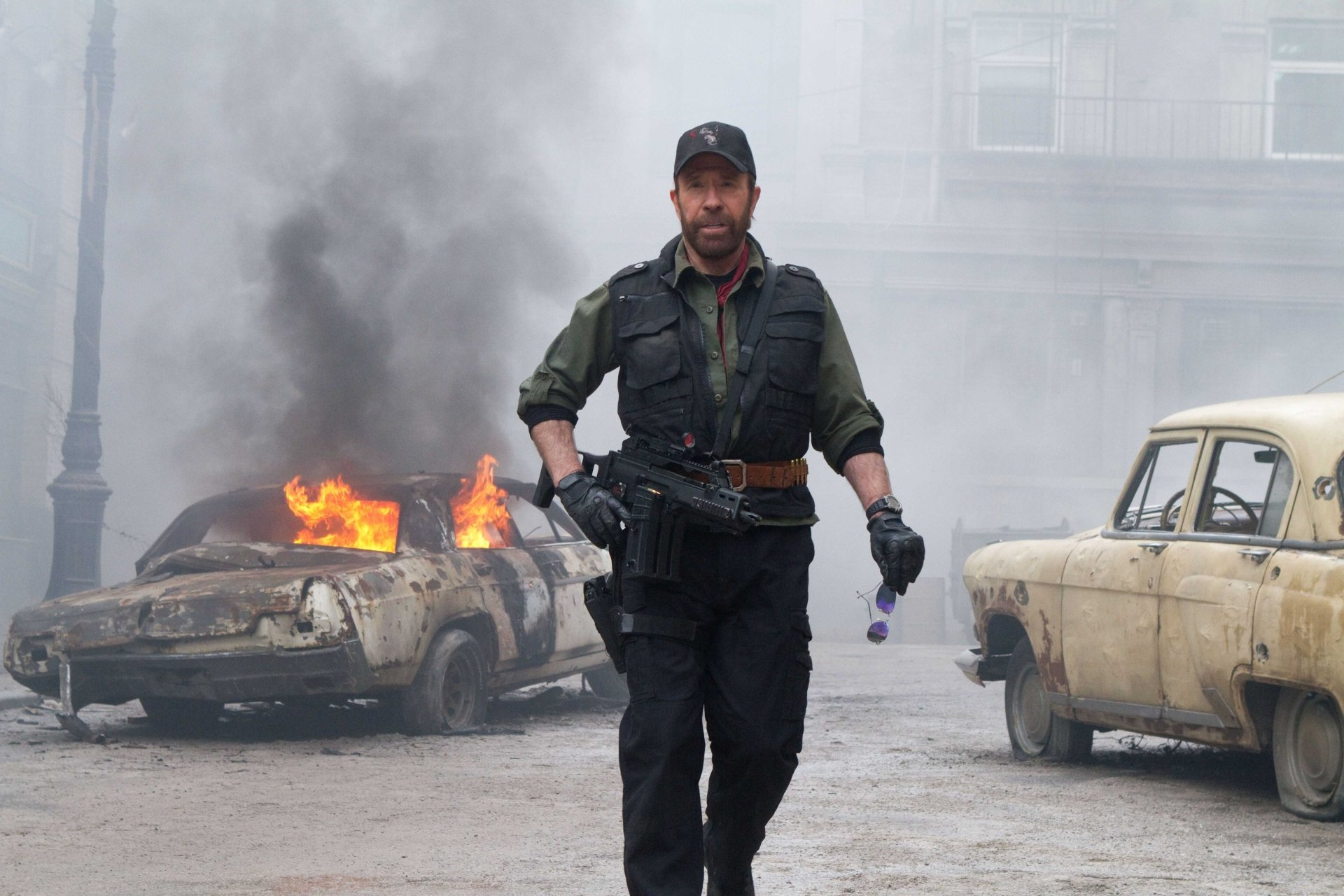 Movie - The Expendables 2  Booker (The Expendables) Chuck Norris Wallpaper