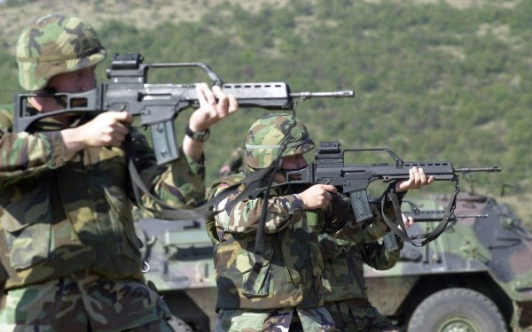 Military Soldier Heckler & Koch G36 HD Wallpaper   Background Image