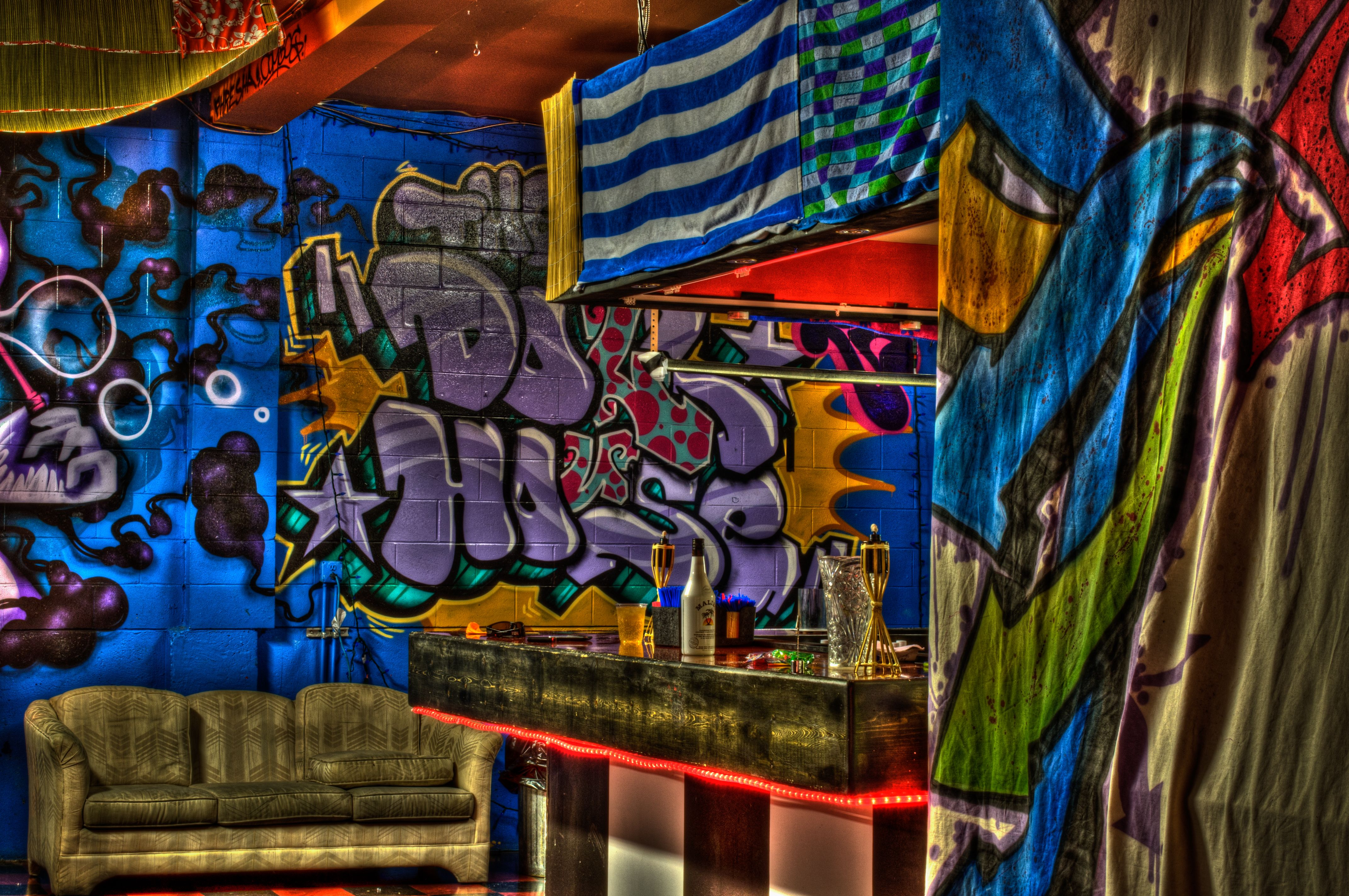 graffiti wallpapers for iphone 4s