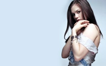 Berühmte Personen - Anna Paquin Wallpapers and Backgrounds ID : 29917