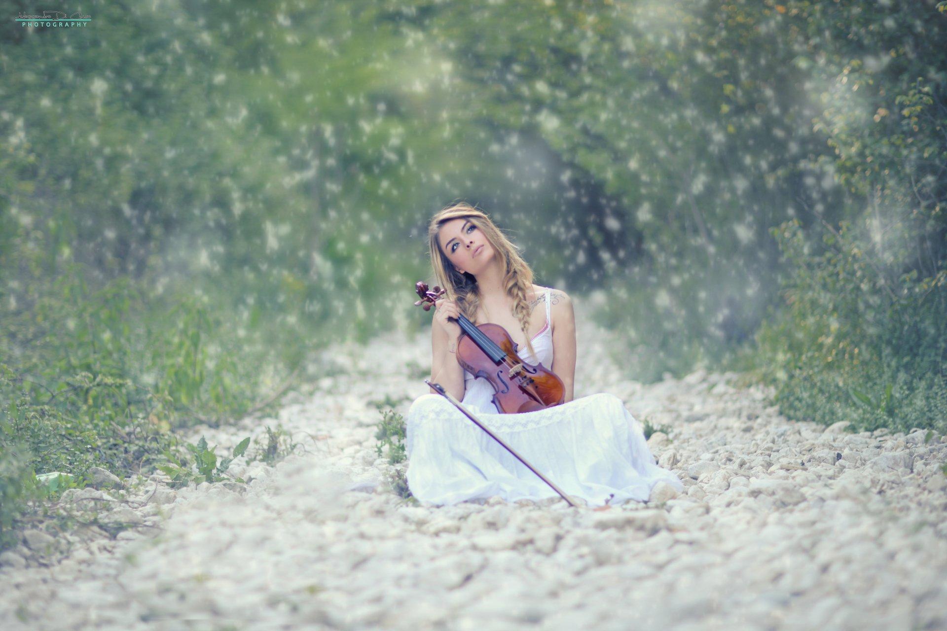 Women - Mood  Snowfall Violin Woman Tattoo Girl Wallpaper