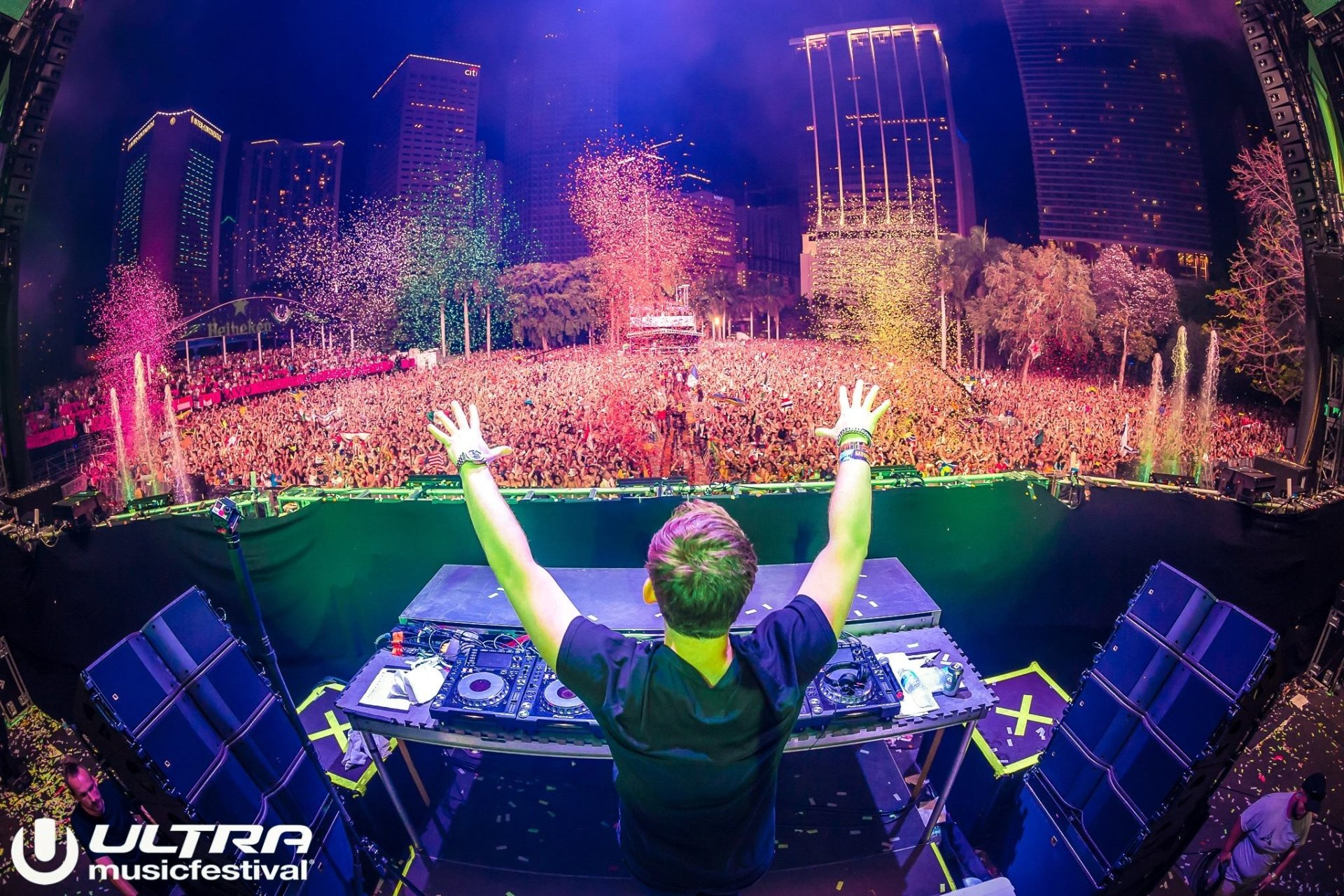 Music - Hardwell  Robbert van de Corput Ultra Music Festival DJ Festival Music Confetti Miami Wallpaper