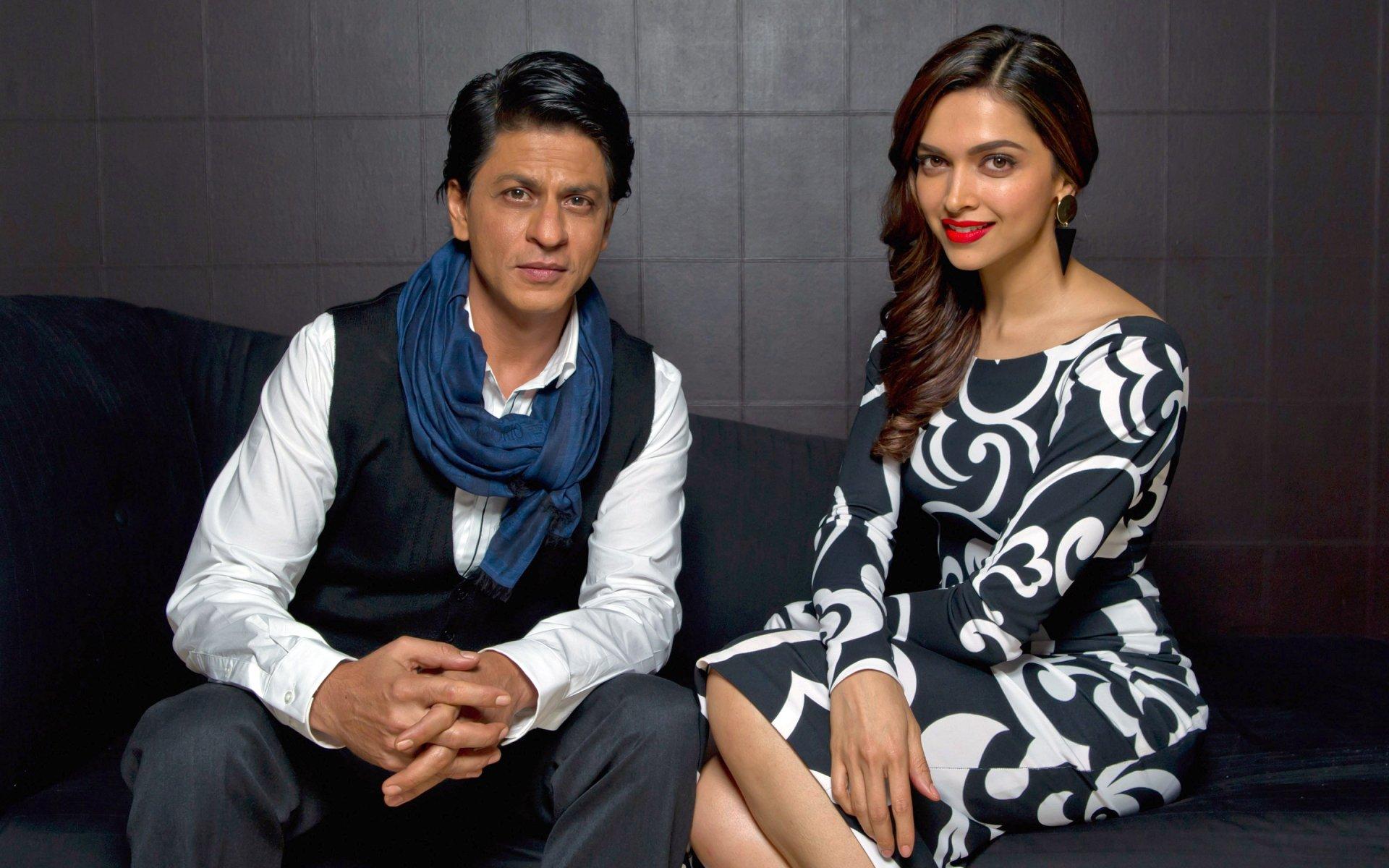 Celebrity - Deepika Padukone  Shahrukh Khan Wallpaper