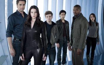 continuum cast | Continuum (TV series) - Wikipedia