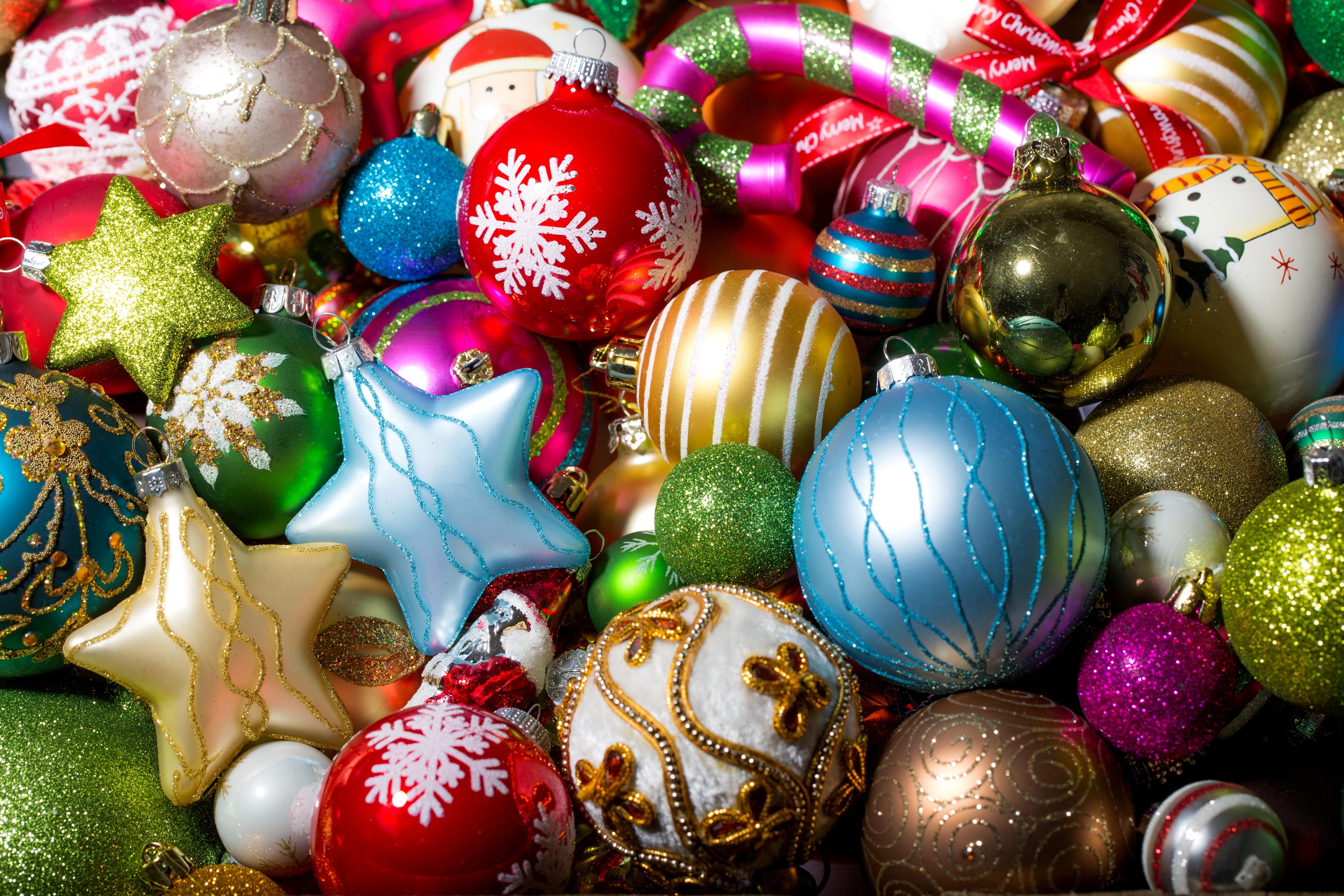 christmas ornaments wallpaper 8026 - photo #4