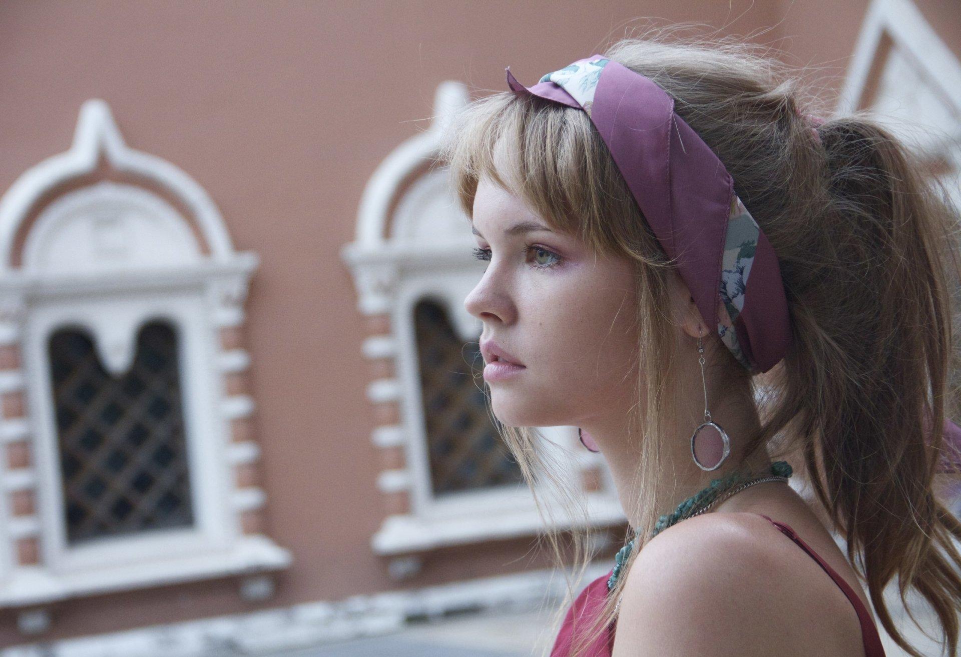 女性 - 安娜·斯塔西娅  面容 Long Hair 壁纸