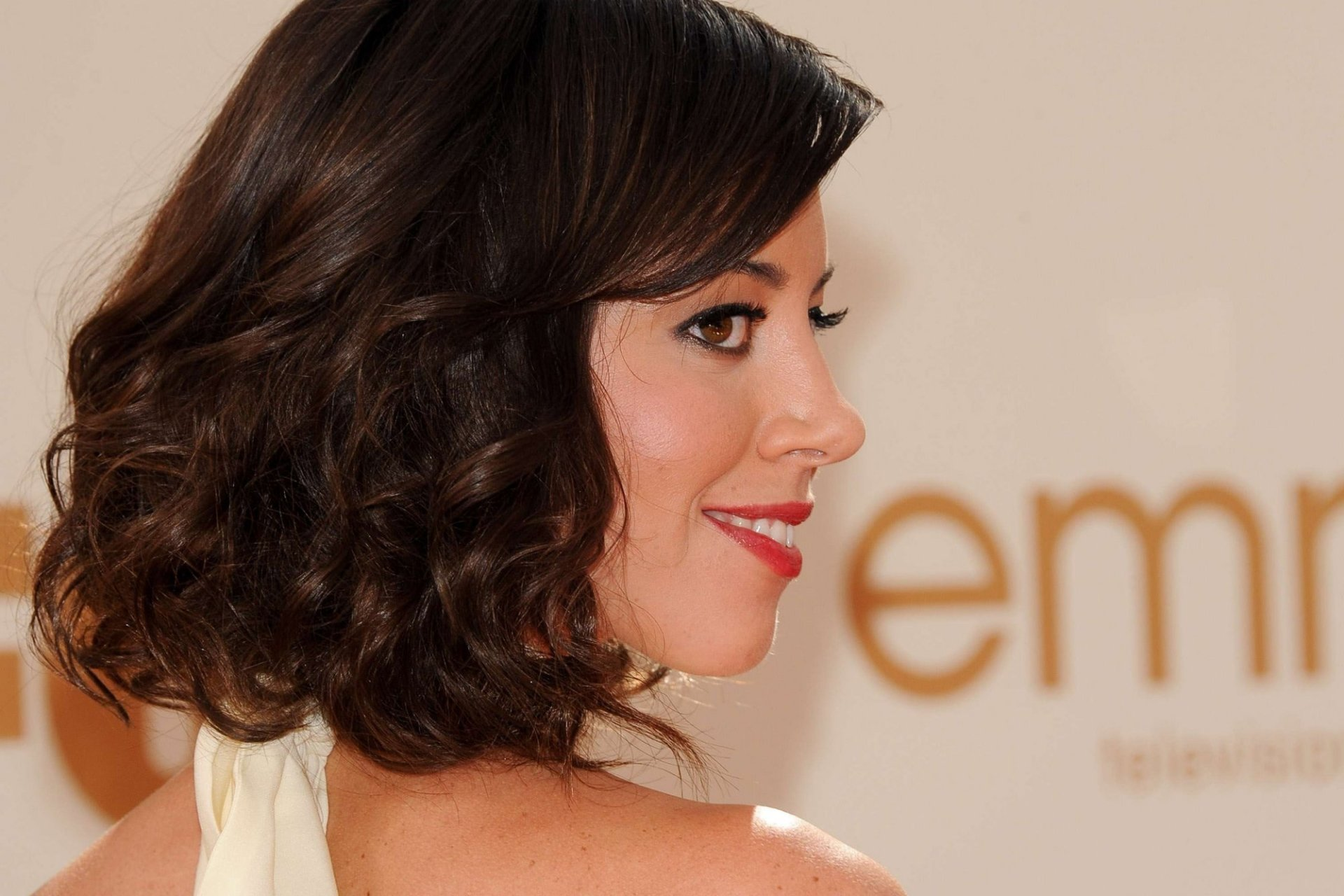 Celebrity - Aubrey Plaza  Actress American Face Brunette Smile Lipstick Brown Eyes Wallpaper