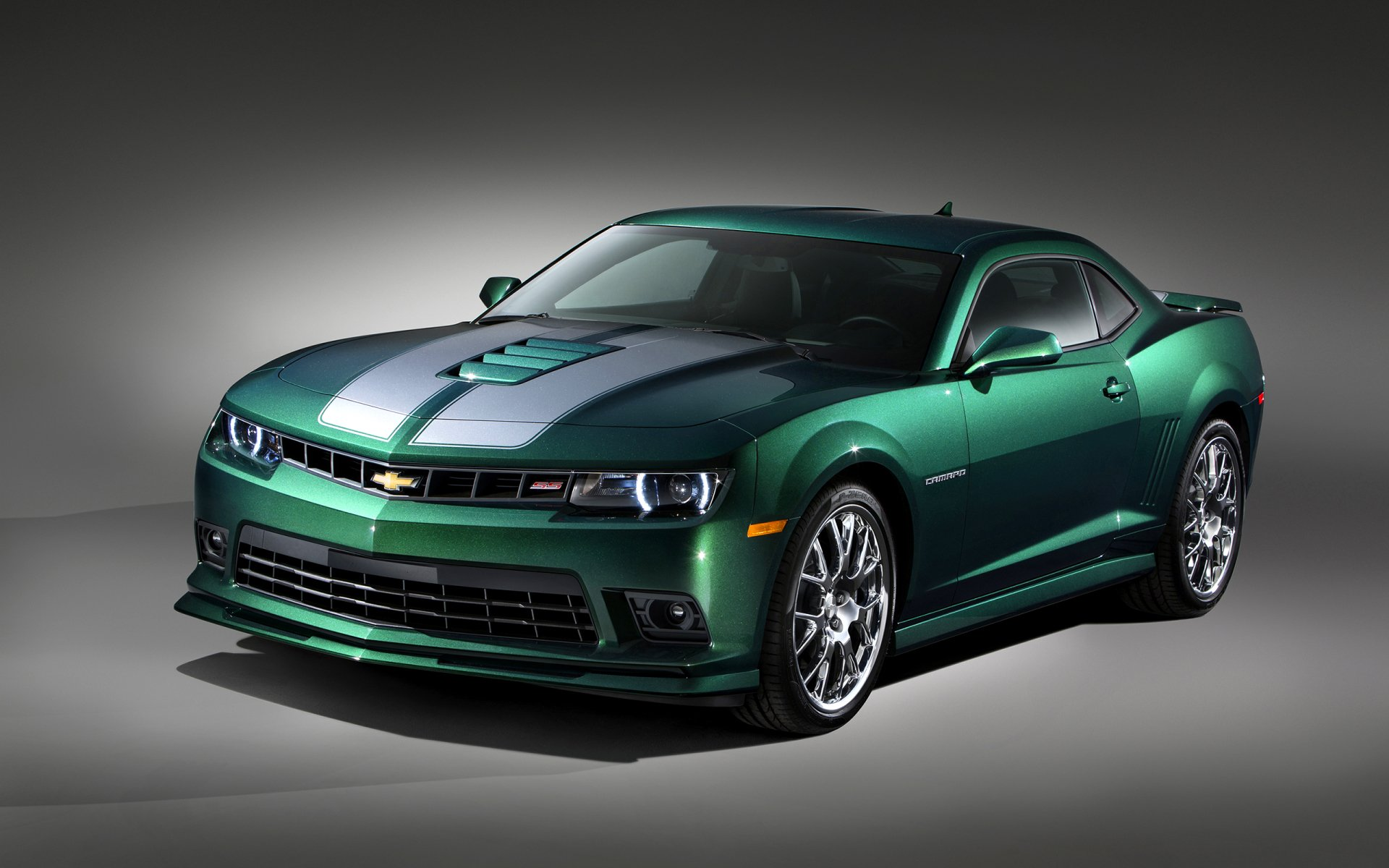 座驾 - 雪佛兰科迈罗  雪佛兰 Green Car Muscle Car 汽车 交通工具 壁纸