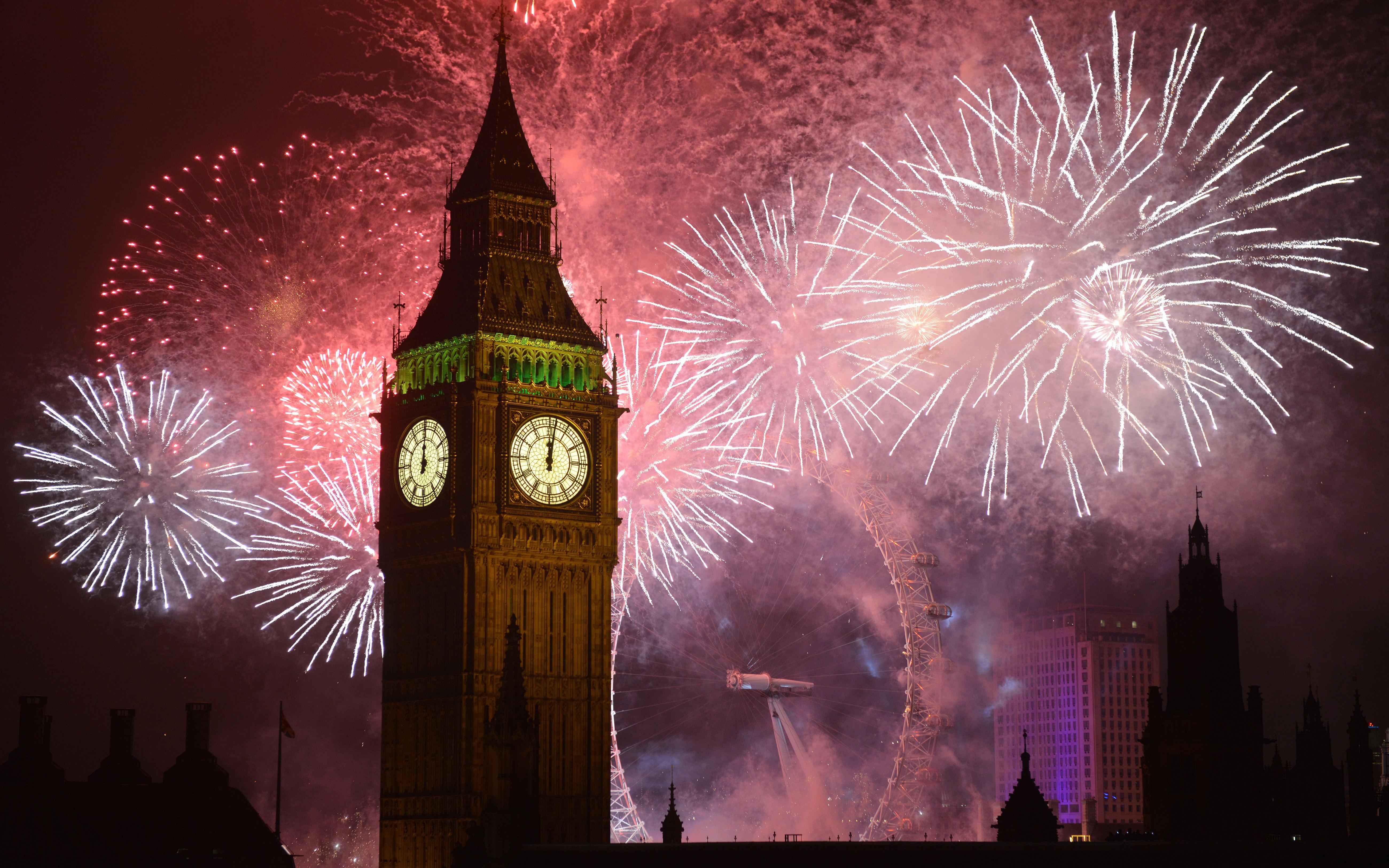New Year S Eve Fireworks Over London 5k Retina Ultra Hd Wallpaper