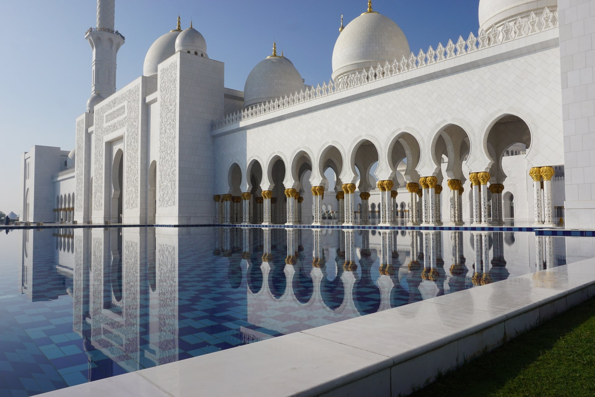 Religious - Mosque  Religious United Arab Emirates Reflection Dome Marble Abu Dhabi Wallpaper