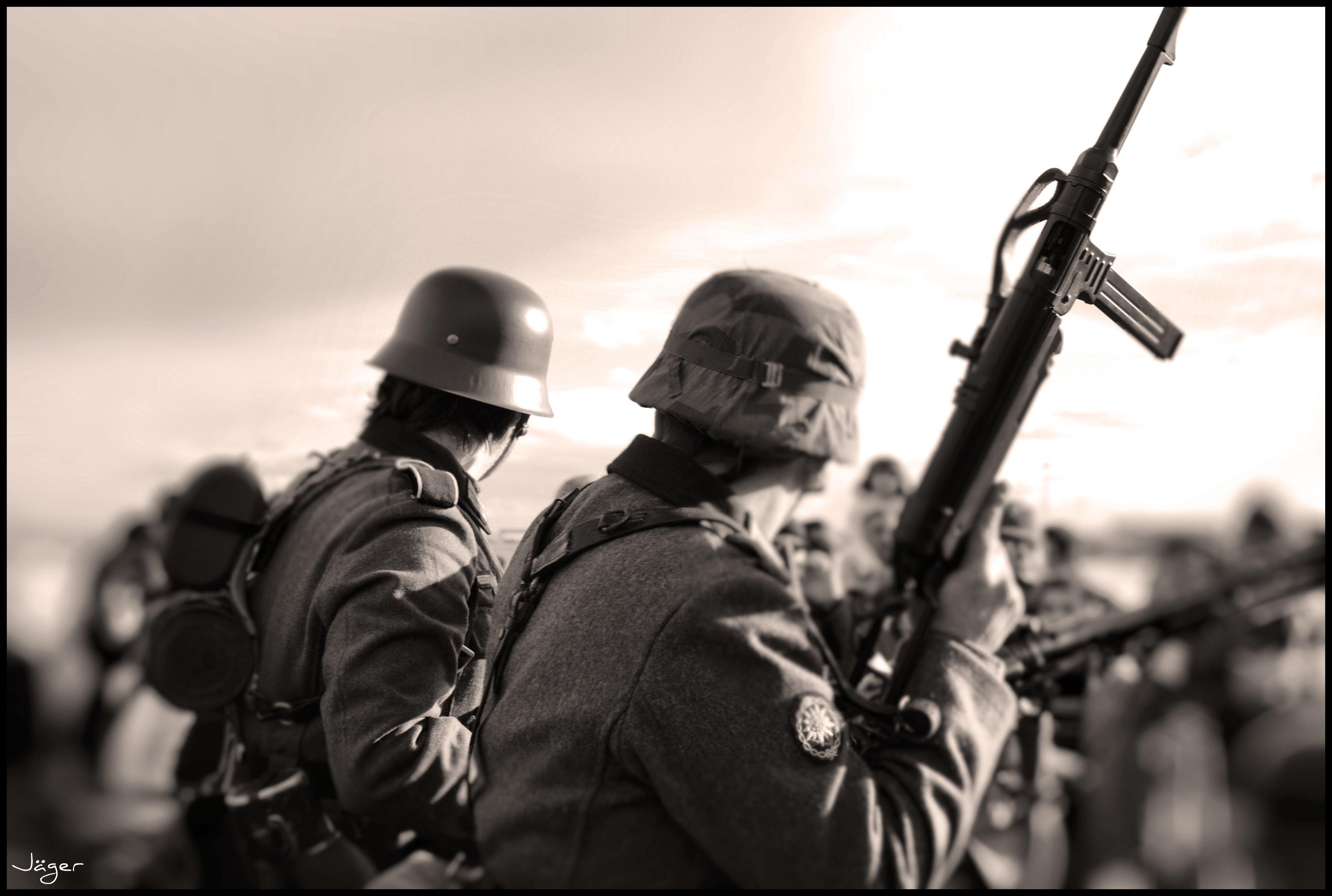 Militär - Künstlerisch  Hintergrundbild