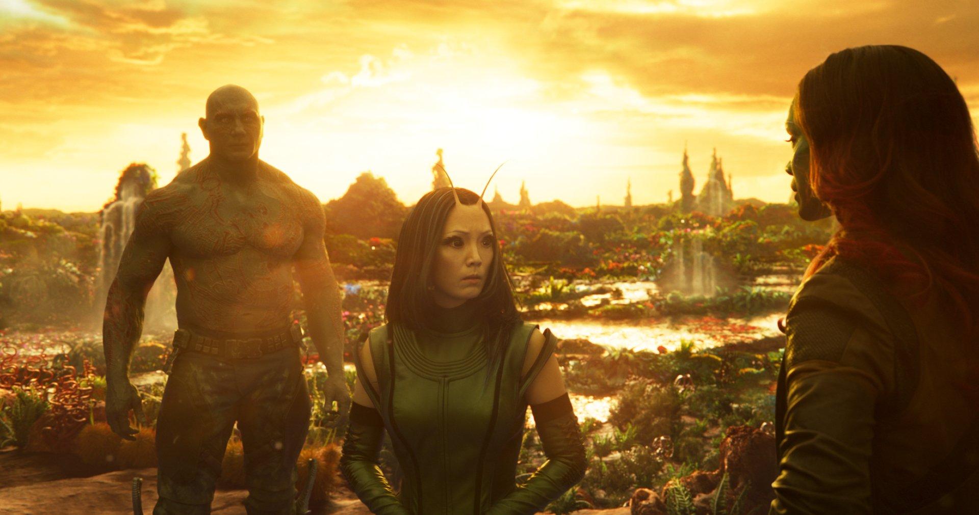 Movie - Guardians of the Galaxy Vol. 2  Zoe Saldana Drax The Destroyer Gamora Dave Bautista Mantis (Marvel Comics) Pom Klementieff Wallpaper