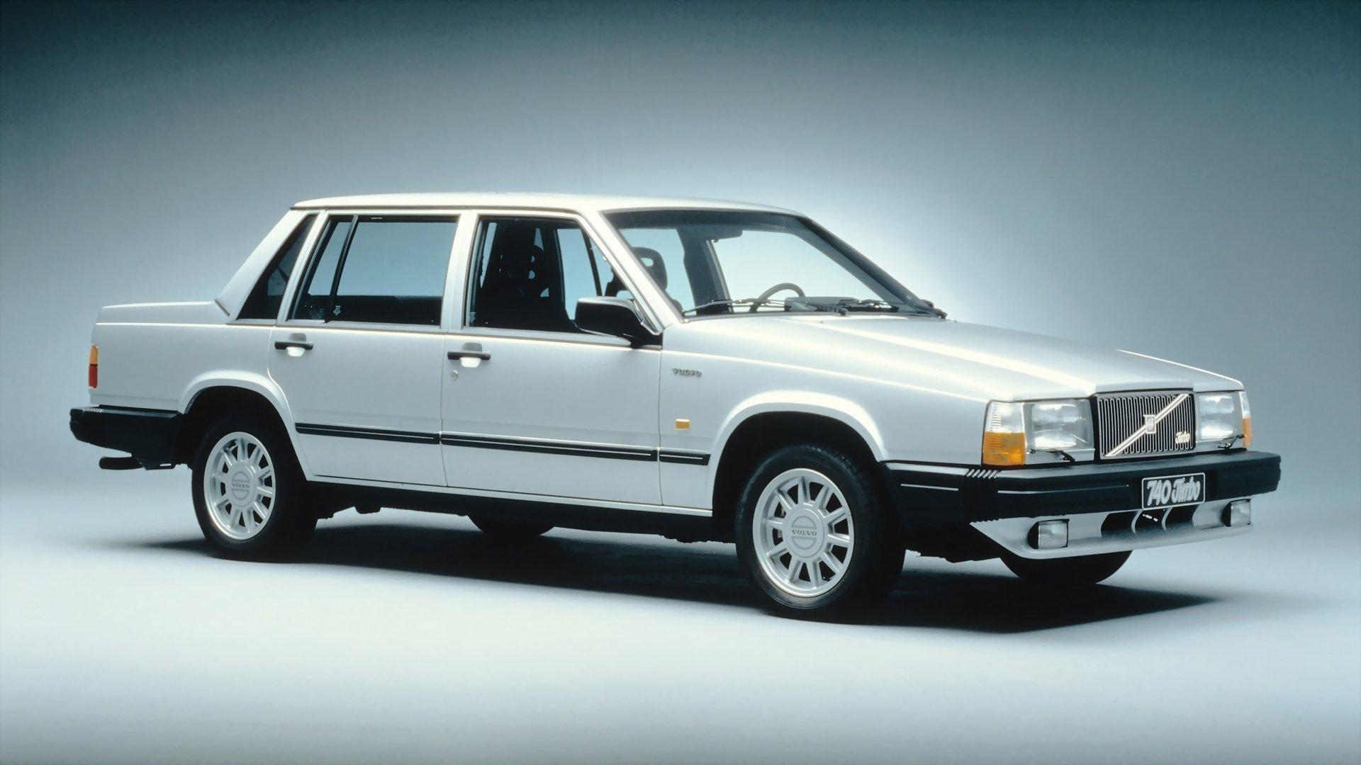 Vehicles - Volvo 700 Series  White Car Sedan Wallpaper
