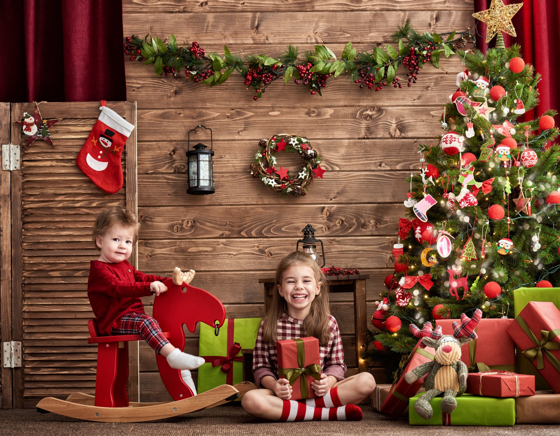 Holiday - Christmas  Christmas Tree Gift Stuffed Animal Child Girl Smile Little Girl Boy Little Boy Wallpaper