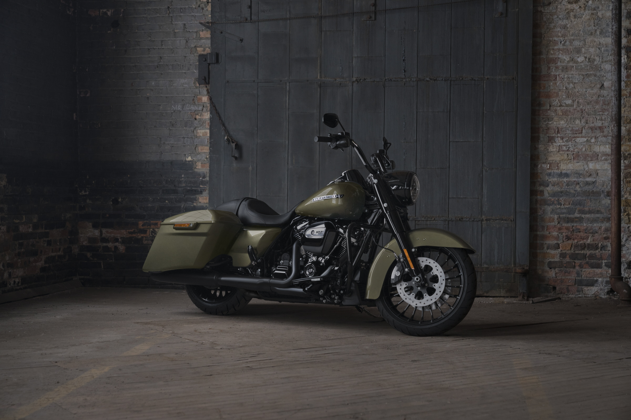 Harley-Davidson Road King Special HD Wallpaper