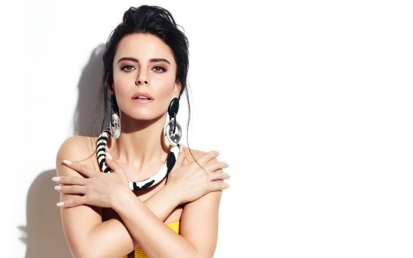 Music Simge Sağın Singers Turkey Singer Turkish Earrings Black Hair Brown Eyes Necklace HD Wallpaper | Background Image